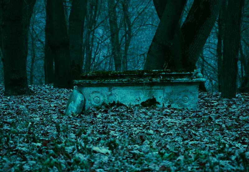 Приворот на могиле ведьмы: сильнейший приворот